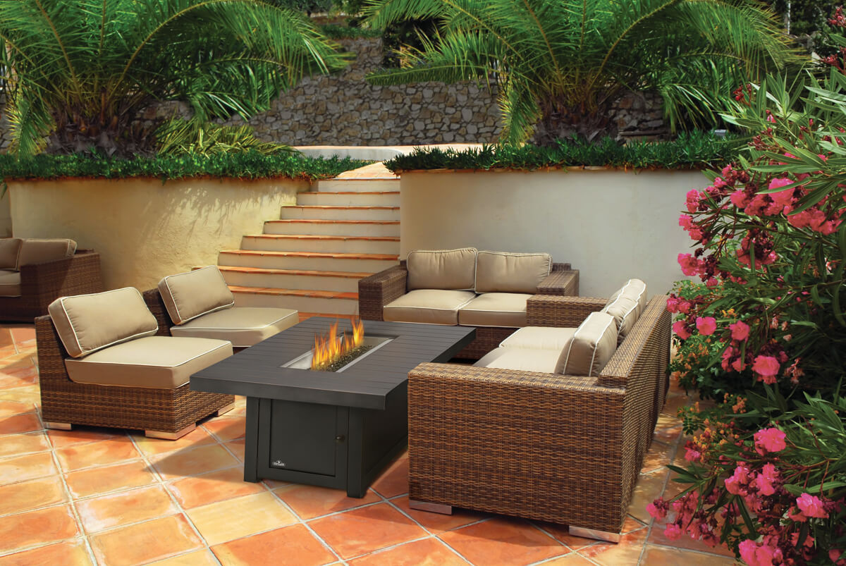 Ext?rieur on Pinterest  Outdoor fire pits, Napoleon and Tables