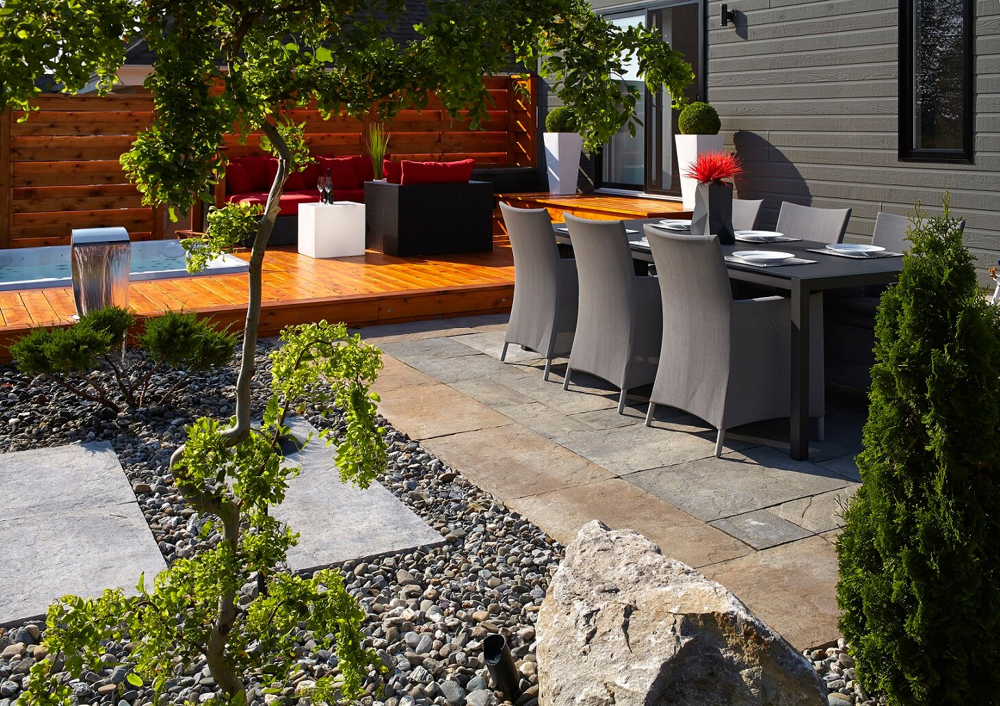 Ma onnex am nagement paysager on pinterest mondrian for Deco terrasse exterieur